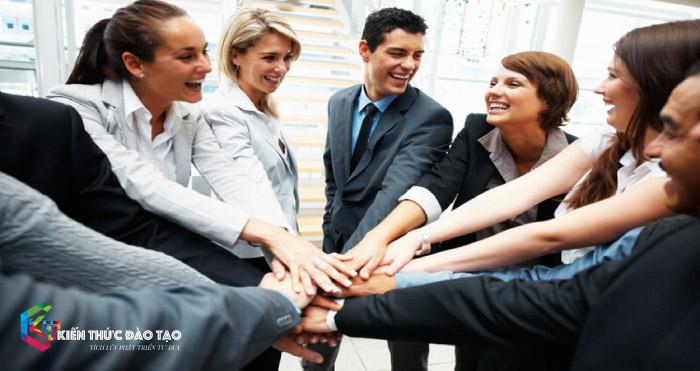 Chia sẻ thành công – Kết nối nhân viên