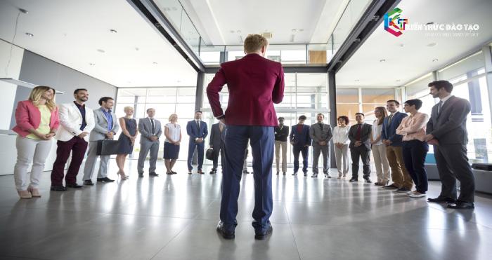 Phong cách lãnh đạo theo hướng thảo luận, trao đổi ý kiến
