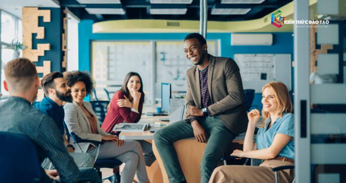 Dành thời gian để kết nối với đồng nghiệp và những người quan trọng