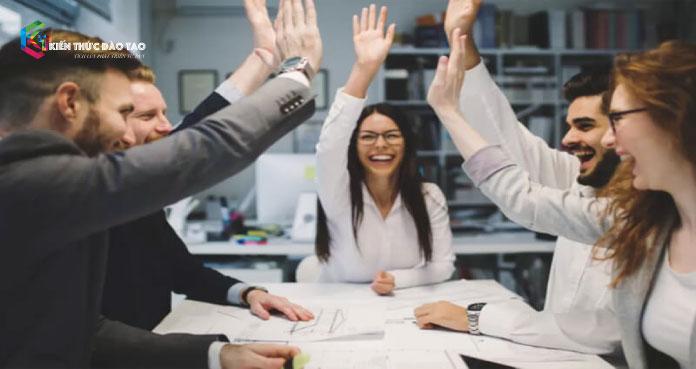 tạo năng lượng tích cực cho nhân viên
